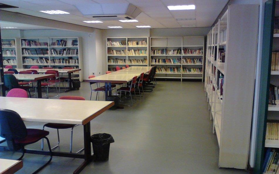 Biblioteca Afundación Calvario Vigo