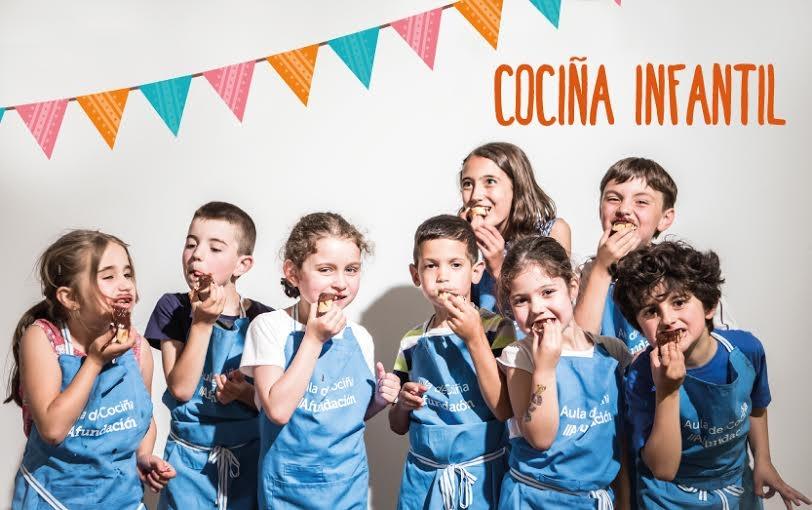 Cocina infantil: «Una mona de Pascua» en Santiago