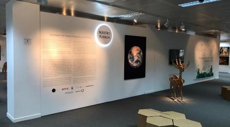 Foto del montaje de la exposición en Lugo