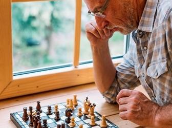 +60 online: Mellora as túas tácticas e estratexias no xadrez