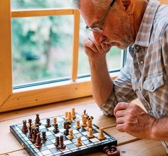 +60 online: Iniciación al ajedrez: sus tácticas y estrategias