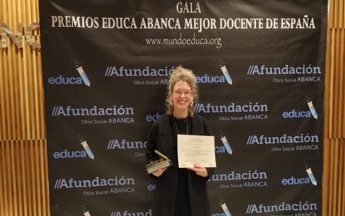 Conferencia con ALICIA TOJEIRO: MANUAL DE SUPERVIVENCIA EN LAS AULAS en Afundación TV