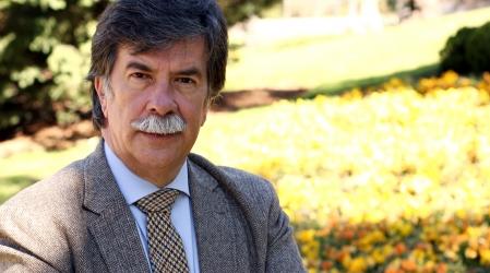Conferencia con JAVIER URRA «Hay vida más allá de las pantallas» en AfundaciónTV